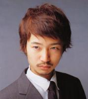 Medium Asian man hair style with side-part bangs, redish brown