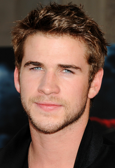 Liam Hemsworth Pictures With His Short Spiky Haircutg