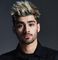 Zayn Malik 2016 picture with his cool spiky haircut and bright blonde higlights.JPG