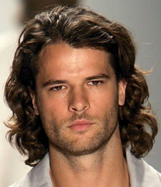 2013 men long haircut with full wavy volume and ver long.PNG