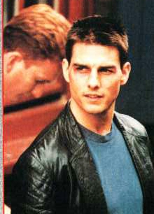 Tom Cruise With Very Short Hair Style