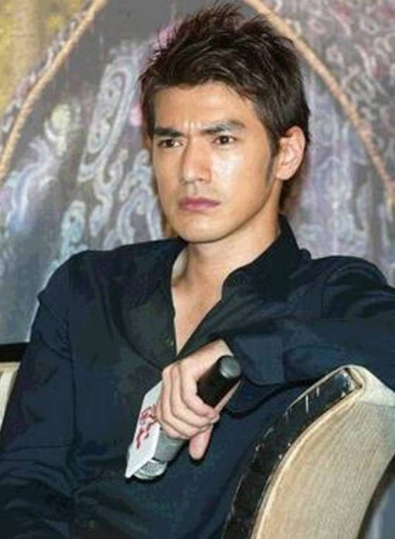 takeshi kaneshiro with short layered hair style black