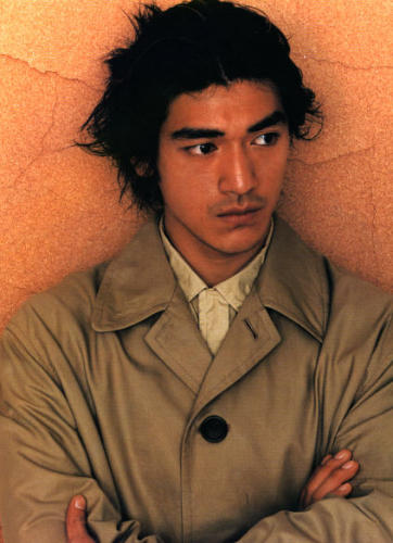 Takeshi Kaneshiro with long wispy & layered hair style - man's hair style