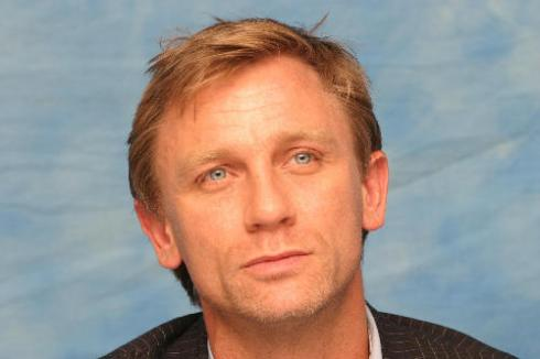 short medium hairstyle. Daniel Craig with short medium