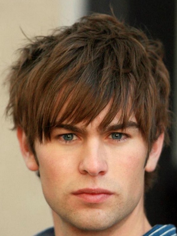 Men short layered haircuts with full of spikes and layers and highlights with very long layered bangs.PNG