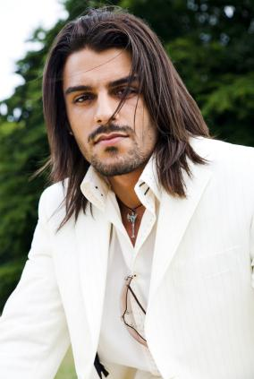 Men long layered hairstyle in dark brown.jpg (10 comments)
