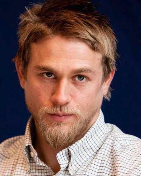 Cool Charlie Hunnam With Medium Short Hairstyle With Layered Bangs Short Hairstyles Gunalazisus