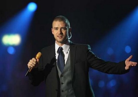 Justin Timberlake in a elegant outfit.jpg