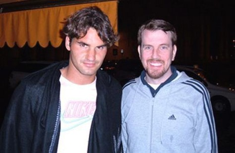 Roger Federer with curly hairstyle and curly side bangs.jpg