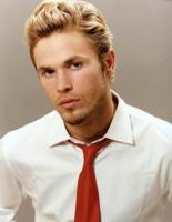 man medium blond hairstyle.jpg