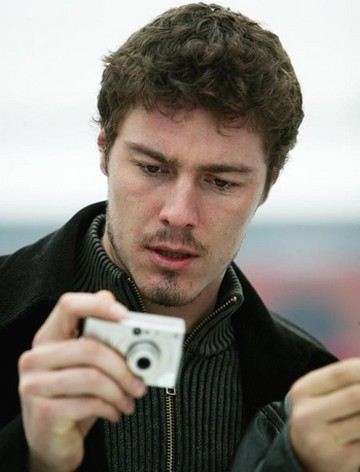 Marat Safin short wavy and curly hairstyle