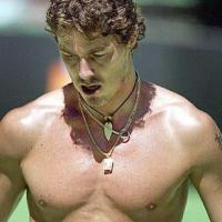 hot sexy tennis player, Marat Safin with wavy medium short haristyle