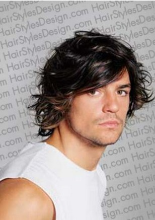 Wavy medium man hairstyle