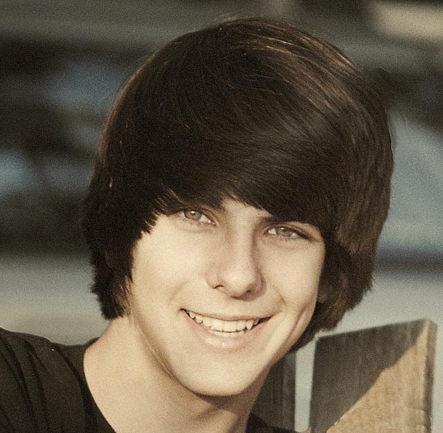 brown Teens hair with