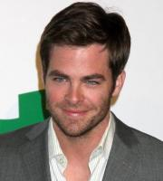 Chris Pine medium short hairstyle picture.JPG