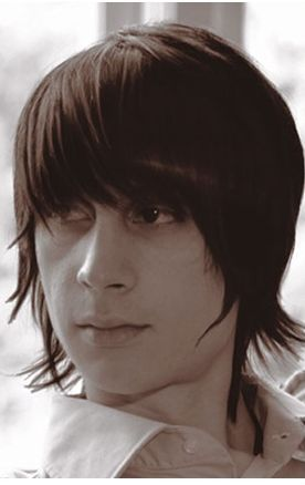 Medium long man hairstyle with very thick bang photo.JPG