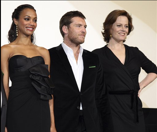 Actress Zoe Saldana, actor Sam Worthington and actress Sigourney Weaver.PNG