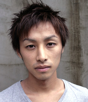 Picture of young asian men hairstyle with layers and medium length on the back and short on the front sides.PNG