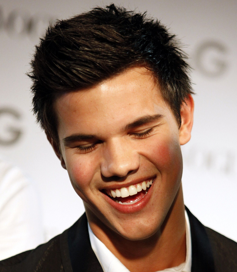 New Taylor Lautner with his trendy short hairstyle with spikes.PNG