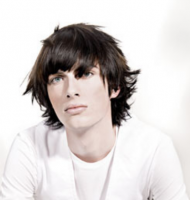 2010 men hairstyle pictures with layered shoulder-length hair.PNG