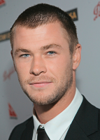 Chris Hemsworth photo with very short haircut.PNG