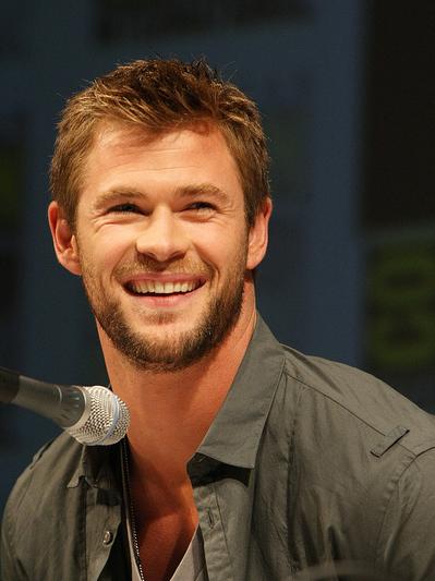 httpwww estergoldberg Chris Hemsworth hot