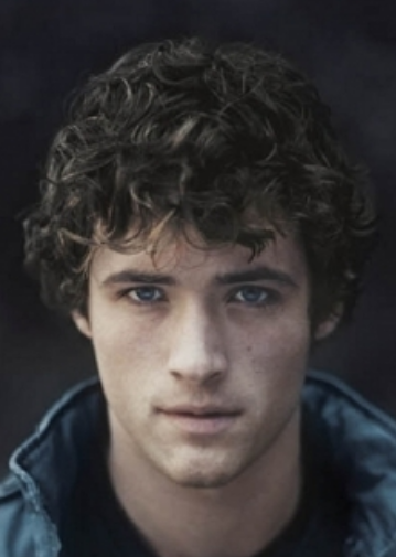 Men medium curly hairstyle picture.PNG
