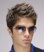 Chic men hairstyle with layers_men 2011  hairstyles pictures.PNG