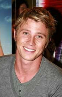 Sexy actor pictures of Garrett Hedlund.PNG